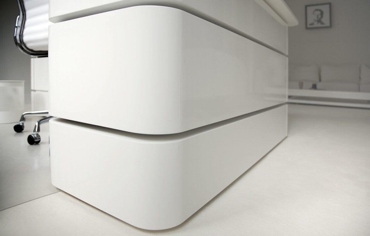 Design Bureau Hoogglans Wit.Directiebureau In Hoogglans Wit Van Rknl Meubelstudio