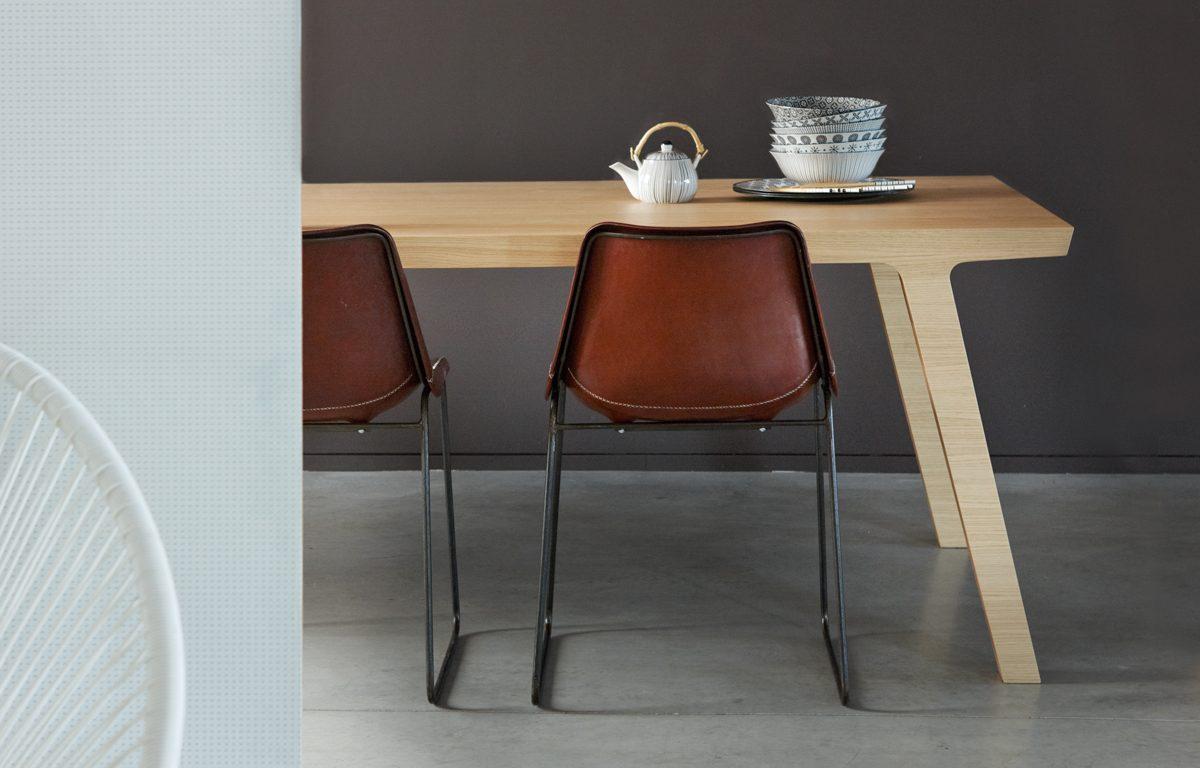 Moderne Eikenhouten Eettafel.Eettafel One Van Rknl Moderne Eikenhouten Eettafel Uit 1 Stuk