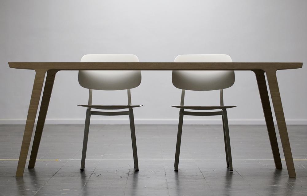 Houten eettafel rknl meubelstudio for Hout voor tafel