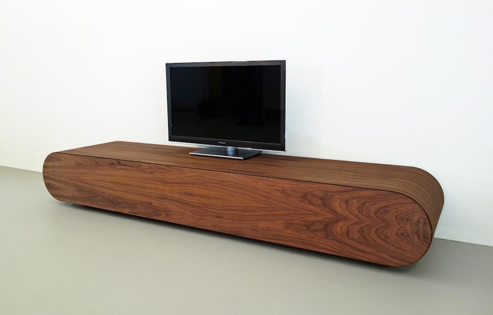 Design tv meubel noten hout rknl meubelstudio for Tv meubel design